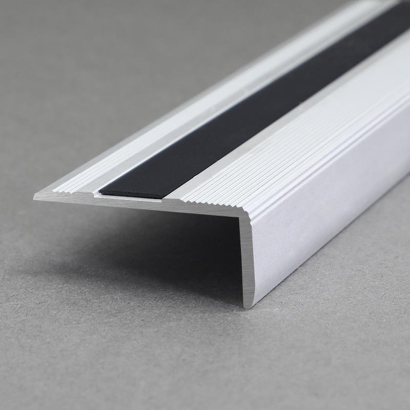 Aluminium Matt Silver Exterior Stair Nosing With Black Rubber FR8