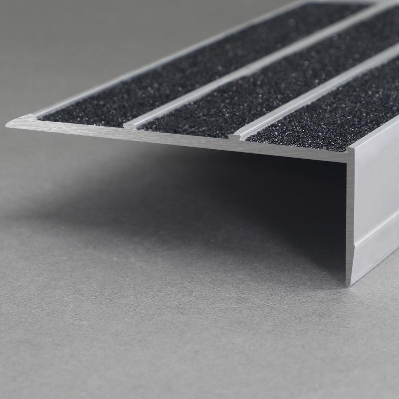Aluminium Matt Silver Anti Slip Stair Nosing FSC3