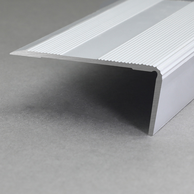 Aluminium Matt Silver Non Slip Stair Nosing FSD1