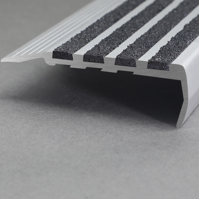 Aluminium Flexible Stair Nosing For Curved Stairs With Black Rubber FSW4